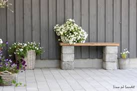 Creative way decor garden home cinder block Bloques Homedit How To Use Cement Blocks In Practical Outdoor Projects