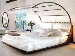 King Platform Canopy Bed This Contemporary King Size Contemporary ...