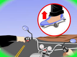 How to Turn <b>Right</b> on a <b>Motorcycle</b>: 8 Steps (with Pictures)