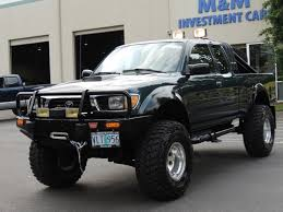 1996 Toyota Tacoma SR5 4X4 / 5-SPEED / 1-OWNER/ LIFTED LIFTED