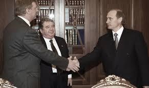 Публицист ru Дмитрий Запольский Путин всего лишь наемный  Потом через много лет я спросил у Путина который возглавлял Контрольное управление президента правда ли что он и другие выходцы из команды Собчака