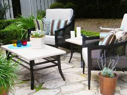 mix and match outdoor accent pillows