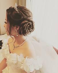 花のヘアアレンジ作り方は薔薇ヘアーやアップスタイルの髪型も Belcy