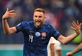Calcio, Sport | Stopper Screenier fa iniziare il sogno della Slovacchia  agli Europei dopo l'uscita della Polonia