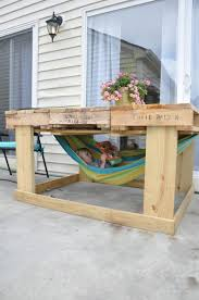 Outdoor pallet table for kids