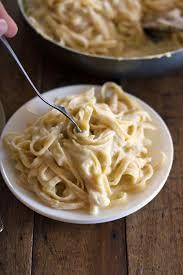 Healthy Fettuccine Alfredo - Pinch of Yum | Recipe | Food, Recipes ...