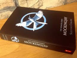 review the hunger games mockingjay part 1 ends strong but