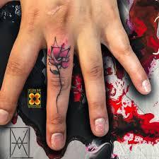 Tatuaggi Sulle Dita Guida Completa Ligera Ink Tattoo Milano