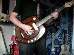 THE FLUSHMASTER - My Homebuilt Toilet-Seat Electric Guitar.