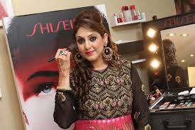 diffe professional makeup artist courses in delhi middot read on to know her journey from being