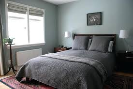 bedroom with area rug grey wall color with stylish queen size bed for small bedroom ideas bedroom with area rug