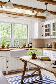 a rustic dining table is one of those things that always catch lots of attention