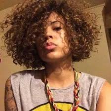 short curly hairstyles for black women 19