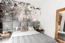 Grau Und Weiß Interieur Des Modernen Schlafzimmer Mit Holz