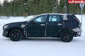 2018 volvo xc60 spy shots. 2018-volvo -xc60-side -driving 2018 volvo xc60 spy shots t