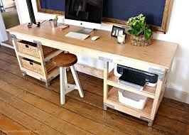 Below you will find the materials, cut list and step-by-step instructions  for building your own desk.