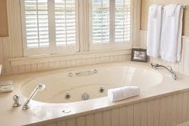 hotel hot tub suites private in room