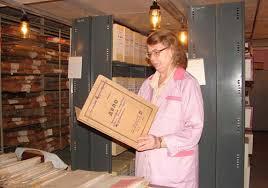 Профессия архивариус кто такой функции как стать должностные  обязанности архивариуса архивиста