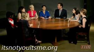 comedy actress roundtable taylor schilling zooey deschanel mindy kaling kaley cuoco sweeting e falco and emmy rossum