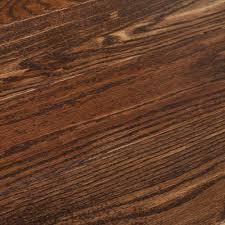 bruce american vine wolf run oak 3 4 in t x 5 in w x random length solid sed hardwood flooring 23 5 sq ft case samv5wr the