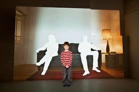 Resultado de imagem para homem e filho distantes