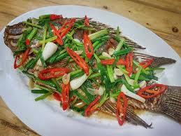สูตร ปลานิลผัดขึ้นฉ่าย พร้อมวิธีทำโดย Alice Kiatwaranalin - Wongnai Cooking