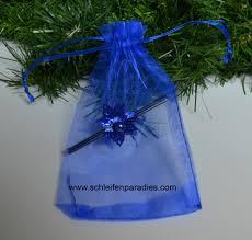Royalblauer Organzabeutel Mit Weihnachtsdeko