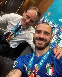 """Leonardo Bonucci on Twitter: """"Grazie Mister. Per Tutto. ❤️ La vera vittoria  però non è stata la coppa ma il fatto che tu sia riuscito a mettere  d'accordo più di 60 milioni"""