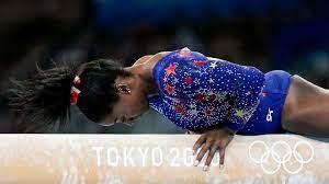 Simone Biles decides to compete ...