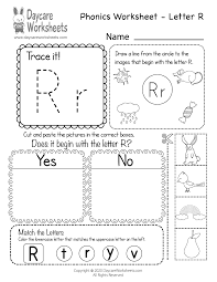 Our free phonics worksheets are colors, simple, and let kids understand phonics in a natural way through fun reading and speaking activities. Fabulous Preschool Worksheets Beginning Sounds Samsfriedchickenanddonuts