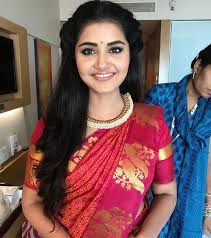 Top 10 South Indian Style Hairstyles For Round Faces Keep Me Stylish