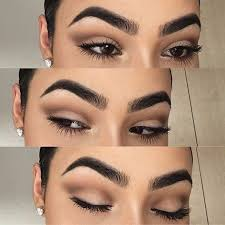 here you can see a very muted brown neutral cut crease with is lot easier to