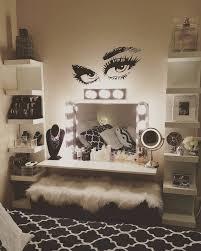 Lash wall decor More