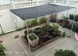 garden shade. DIY Garden Shade Canopy // WWW.THEJOYBLOG.NET E