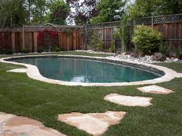 stepping stones around pool round designs