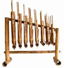 Untuk diketahui, satu angklung hanya bisa menghasilkan satu notasi saja. Sejarah Alat Musik Angklung Jawa Barat Sejarah Lengkap