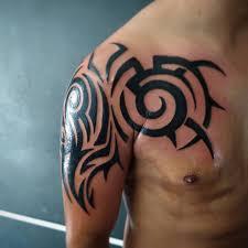 тату в стиле трайбл Tribal идеи эскизы и фото узоров для мужчин