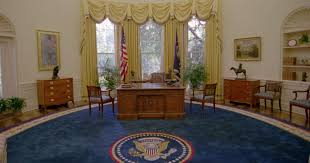 Barak obama oval office golds Resolute Desk Usatodaycom Report The 10 Richest Us Presidents