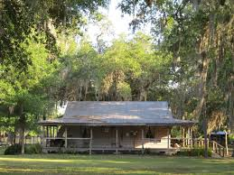 BRILLHART HOUSE IS A CONTEMPORARY STUDY OF FLORIDA CRACKER Florida Cracker Houses