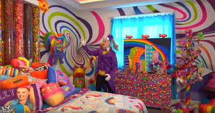 So jojo siwa has a bed room spred online at kmart and walmart and amazon so yeah which is so awesome that she has a bed room bed bed.not believe that she came out with bed stuff too i didn't even know that it was even nout in stores either but it is very exciting bed room stuff by jojo. Jojo Siwa S Candy Themed Bedroom Tour Video People Com
