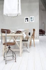Woonwens Een Nieuwe Vloer Witte Woonkamer Foto Geplaatst Door