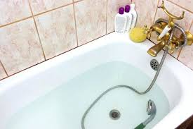 how to clean bathtub with baking soda jets