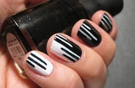 black and white nail art 1