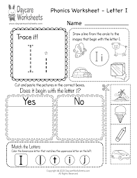 Letter w pack includes letter w poster for your classroom letter w emergent readers (3 differentiated versions) letter w phonics sorting center with recording worksheet letter w writing center: Free Letter I Phonics Worksheet For Preschool Beginning Sounds