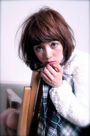 小松 ミディアム プラムブラウン ふんわり 小顔 カール人気のヘア