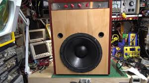 building a bass guitar amplifier part 4 cabinet and demo