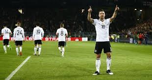 Podolski comenzó a jugar al fútbol a la edad de seis años en el equipo juvenil del bergheim. Lukas Podolski Scores In Farewell Match As Germany Beat England 1 0