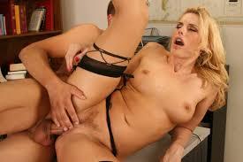 Curvy Mature Blonde MILF Darryl Hannah Wearing Stockings Enjoying.