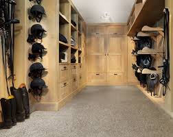 10 Barn Luxuries You Shouldnu0027t Do Without « Best Horse Stalls Horse Tack Room Design