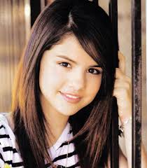 Selena Gomez Hair Style a new life hartz selena gomez hairstyles look in early 2012 6850 by wearticles.com
